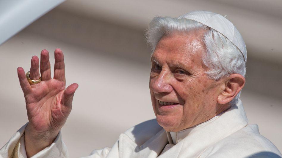 Benedikt XVI. (am 27. Februar): Ab 20 Uhr kein Papst mehr