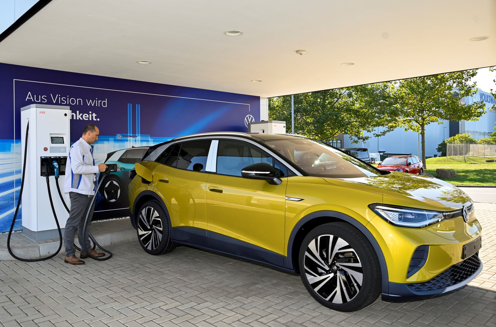 """FILE PHOTO: VW shows electric SUV """"ID 4"""" during a photo workshop"""