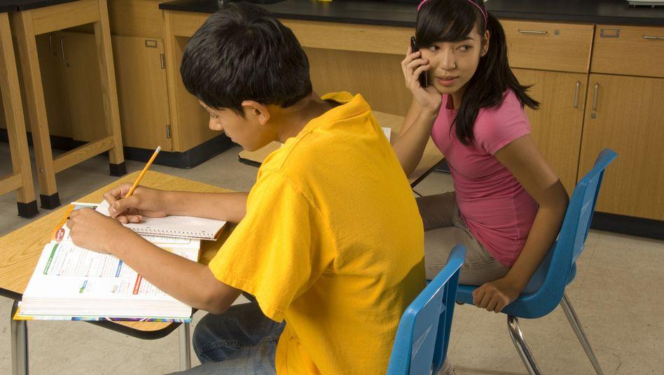 Schülerin in New York: mit Handy in der Schule