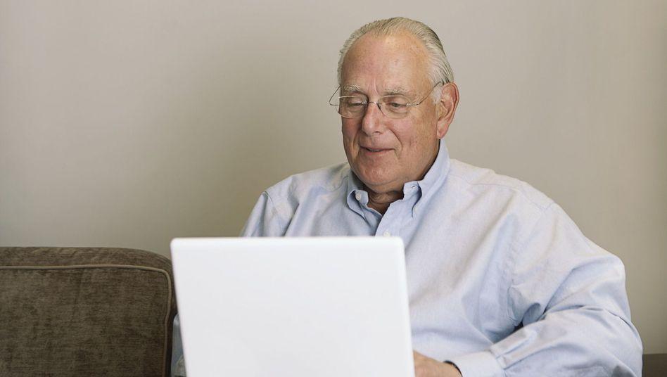 Mit Spaß dabei: Senioren neigen dazu, das Internet ganz oder gar nicht anzunehmen