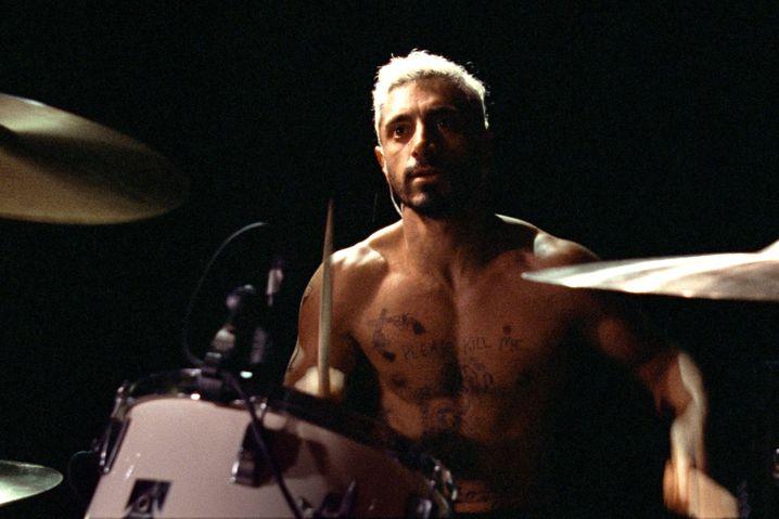 »Sound of Metal«: Riz Ahmed als Drummer, der sein Gehör verliert