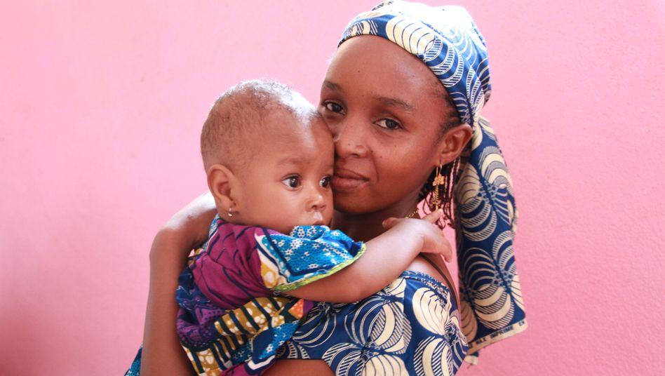 Mutter und Kind in Kamerun