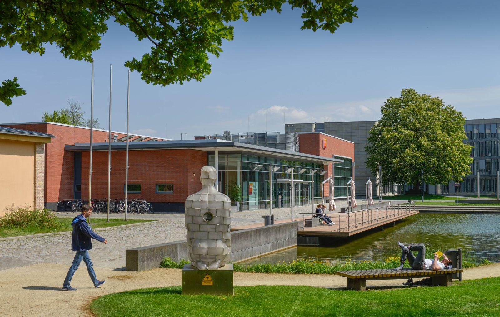 Hoersaalgebaeude Hasso Plattner Institut Prof Dr Helmert Strasse Babelsberg Potsdam Brandenbu