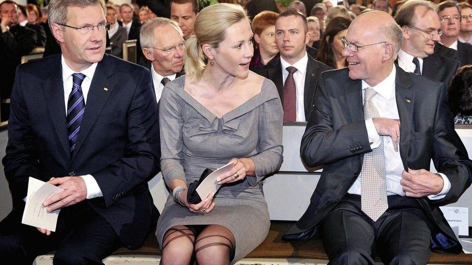 Christdemokraten Wulff, Lammert(*): Unwürdiger Zank um das Gedenken für die Neonazi-Opfer