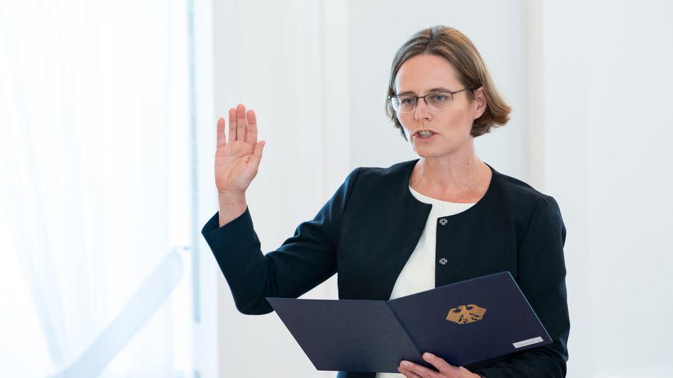 Astrid Wallrabenstein bei Vereidigung zur Verfassungsrichterin im Juni 2020: Im EZB-Verfahren für befangen erklärt