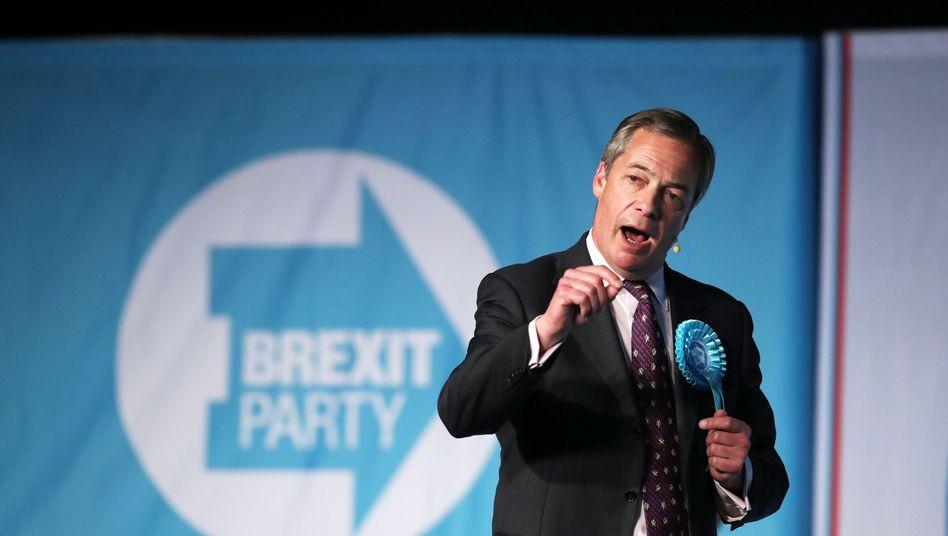Brexit-Partei-Chef Nigel Farage bei Wahlkampfauftritt in Durham: Stärker als Tories und Labour zusammen
