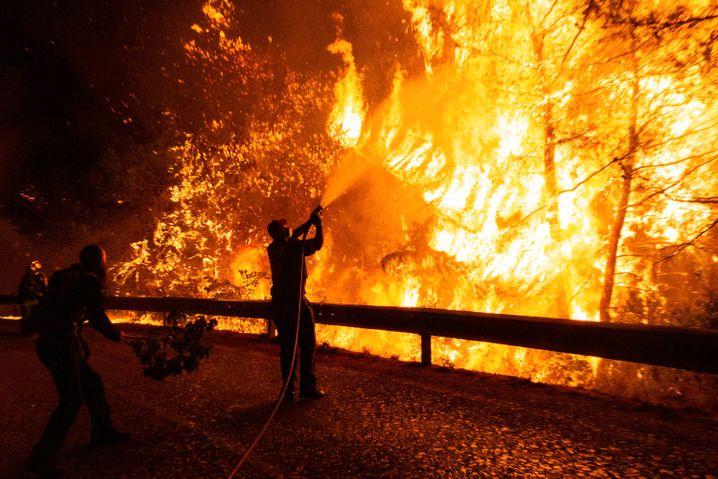 Kebakaran hutan dekat Athena