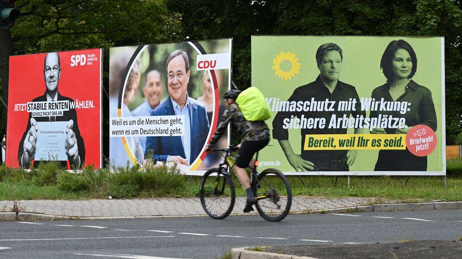 Wahlplakate der Spitzenkandidaten Scholz, Laschet, Habeck und Baerbock