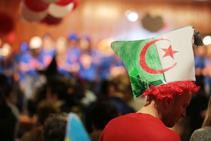 """""""Karnevalsanfänger"""" im Caritas-Unterricht: Mehr Journalisten als Ausländer"""