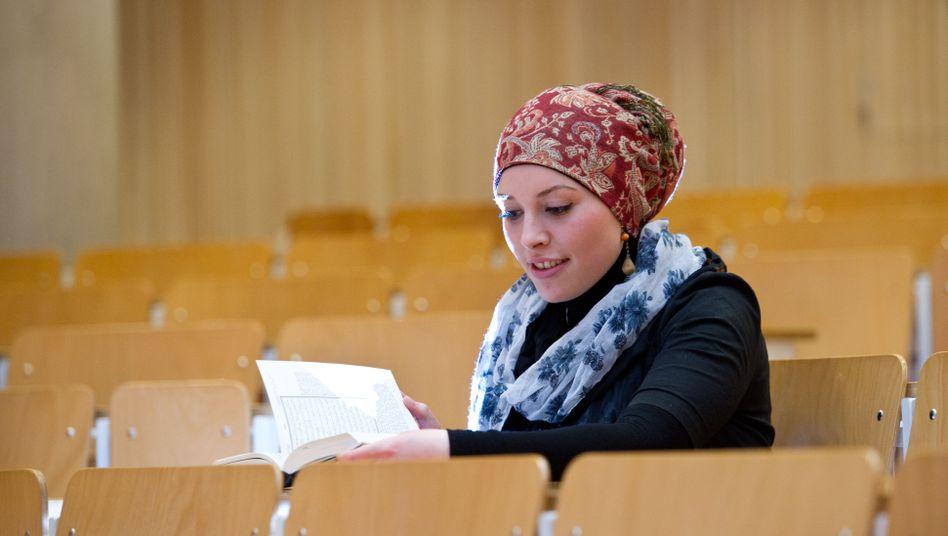 Islamische-Theologie-Studentin in Tübingen: Mit dem Koran in den Hörsaal