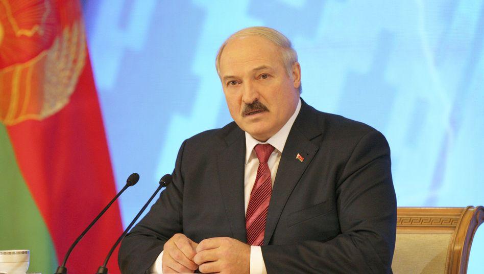 Alexander Lukaschenko: Wahlkommission ist zufrieden, westliche Beobachter nicht