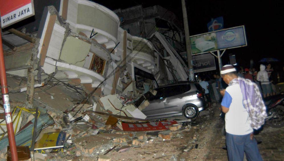 Indonesien: Tausende Vermisste nach Erdbeben