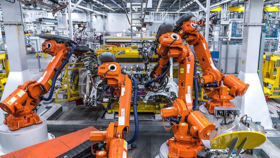 Montageroboter in einem BMW-Werk