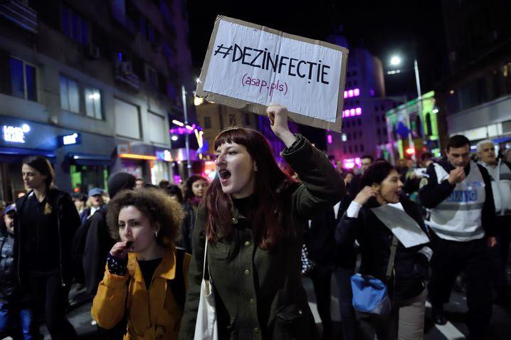 """Demo in Bukarest: """"Desinfizieren"""""""