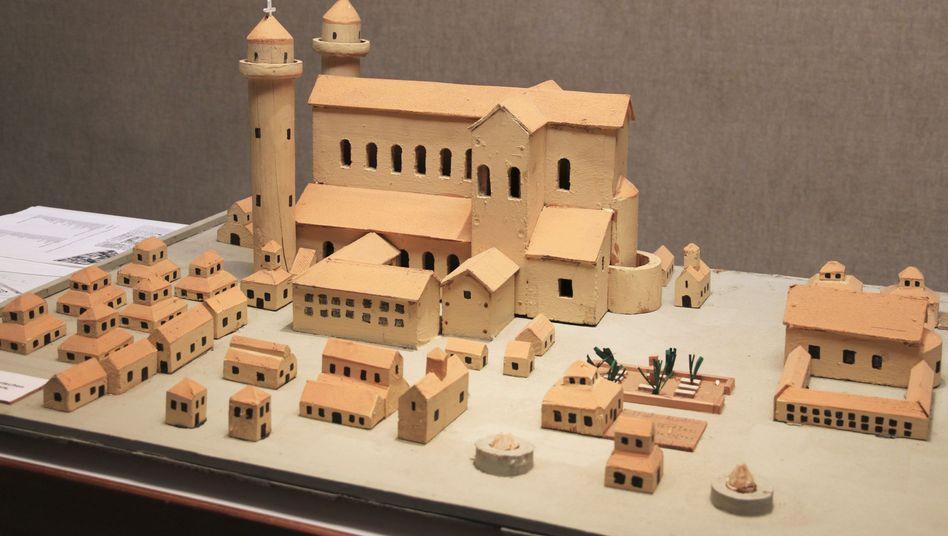 Modell der geplanten Klosterstadt: Die Baustelle soll zur Touristenattraktion werden