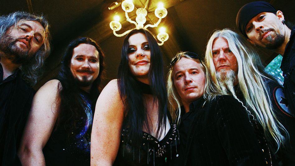 Nightwish: Bald auch mit Gehirn.