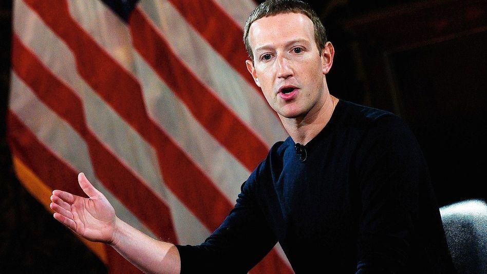 Facebook-Chef Zuckerberg:Weltveränderung ja, aber bitte ohne Fallstricke
