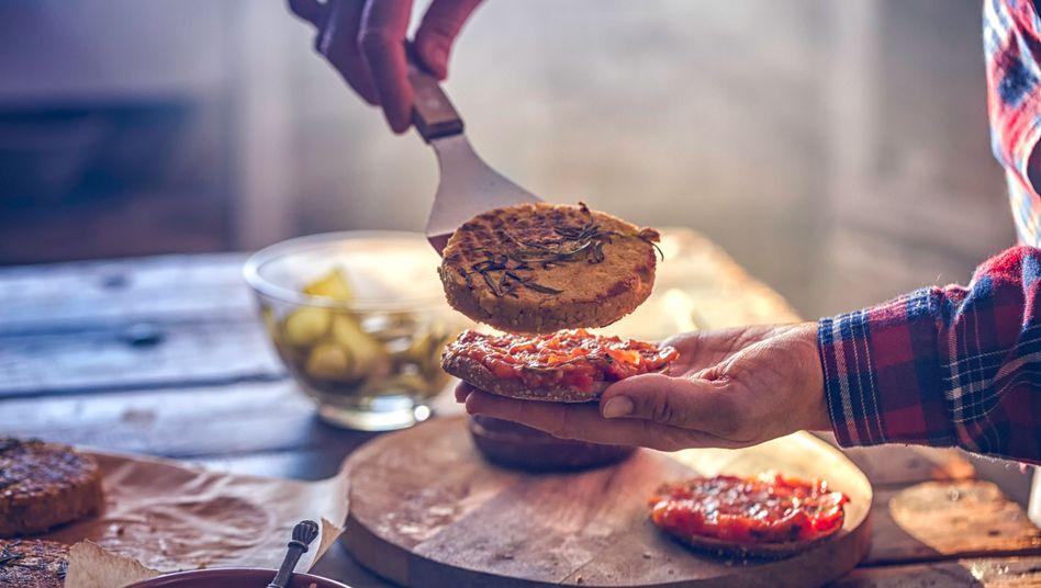 Je stärker vegane Produkte versuchen, Fleisch zu imitieren, desto stärker sind sie in der Regel verarbeitet