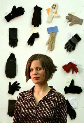 Jennifer Gooch: Bringt verlorene Handschuhe ins Web