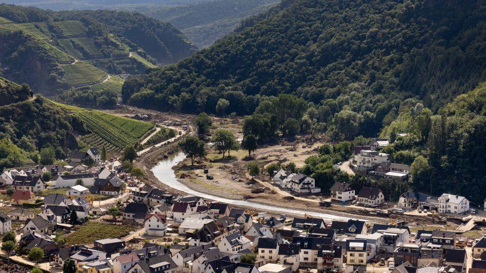 Dernau im Ahrtal, Rheinland-Pfalz, nach der Hochwasserkatastrophe