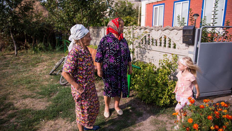 Dorfidylle auf dem Weg von Kiew an die Front