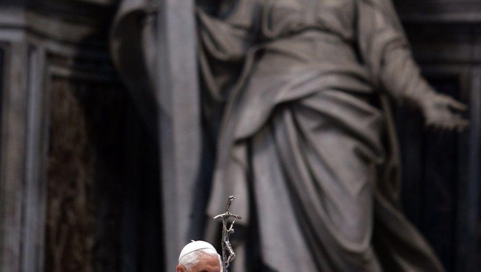 Späte Entschuldigung: Papst Benedikt bittet die Missbrauchs-Opfer um Vergebung