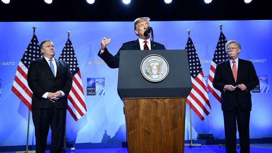 Donald Trump, John Bolton und Mike Pompeo (Archiv)