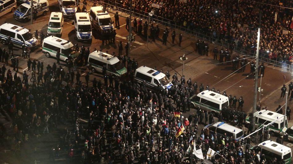 Islamgegner in Leipzig: Legida mobilisiert vor allem Gegendemonstranten