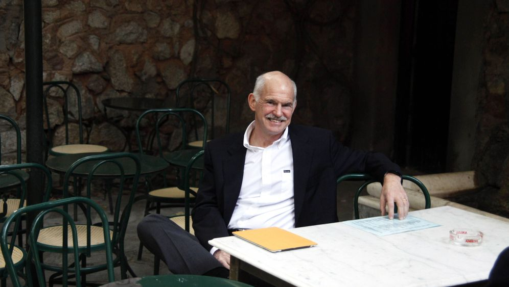Photo Gallery: A New Look at Papandreou's Resignation