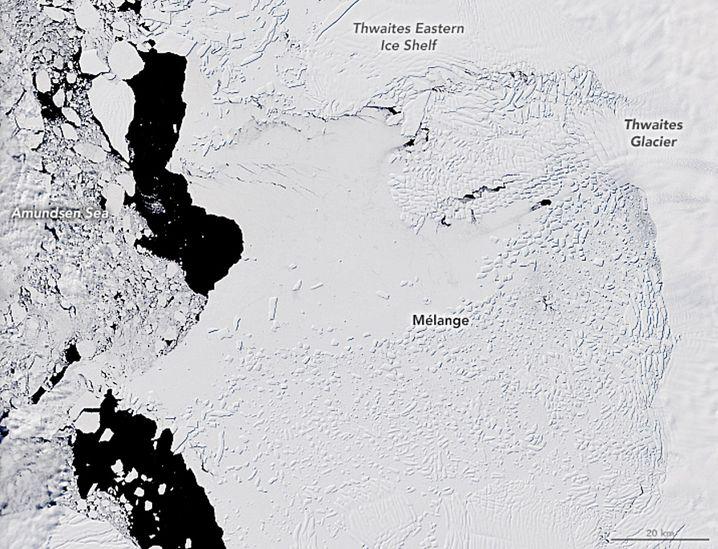 Thwaites-Gletscher am 28. Dezember 2019: Die Beschriftung hilft bei der Orientierung