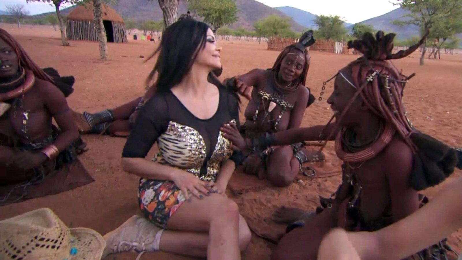 EINMALIGE VERWENDUNG TV/ Wild Girls - Auf High Heels durch Afrika