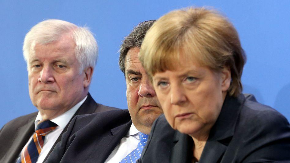 Seehofer, Gabriel, Merkel (Archivbild Mai 2015): Einigung auf einen Kompromiss-Kompromiss
