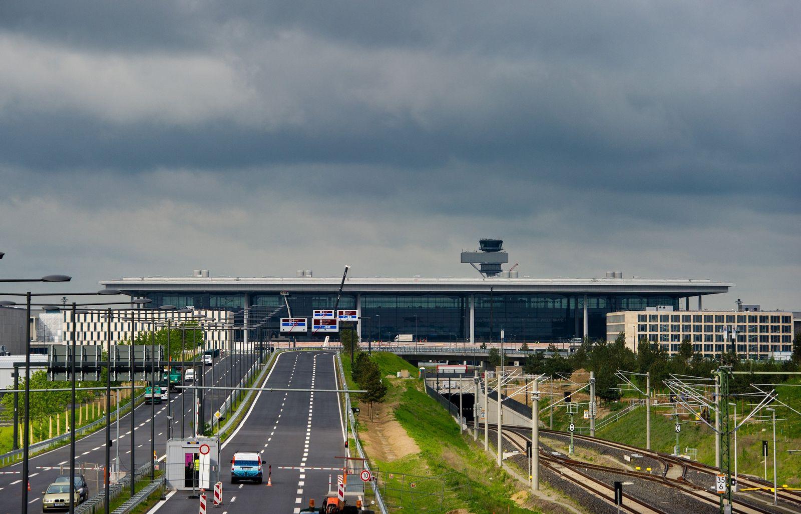 Berlin / Flughafen XXL