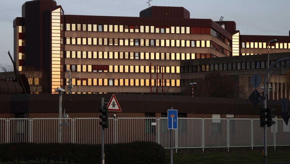 Bundesamt für Verfassungsschutz: Betroffene Beamte, gigantische Pannen