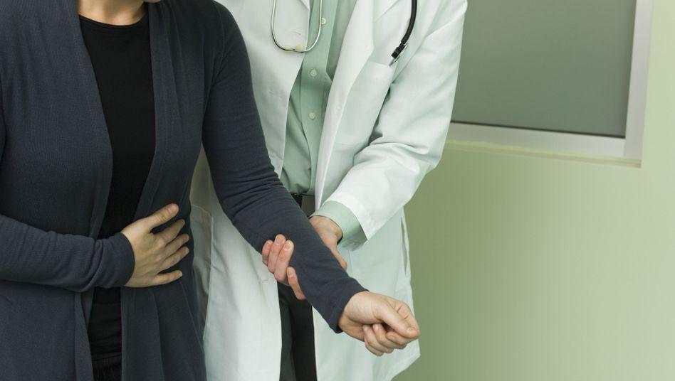 Bauchschmerzen: Warum die richtige Diagnose manchmal so schwierig zu finden ist