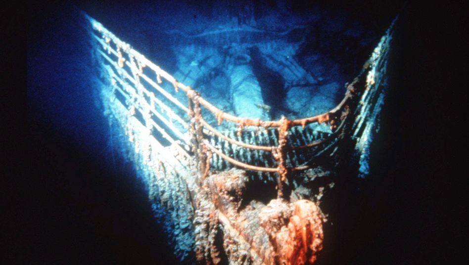 """Wrack der """"Titanic"""" (im April 2012): Darf ein US-Unternehmen die Aufbauten des Schiffes zerschneiden?"""