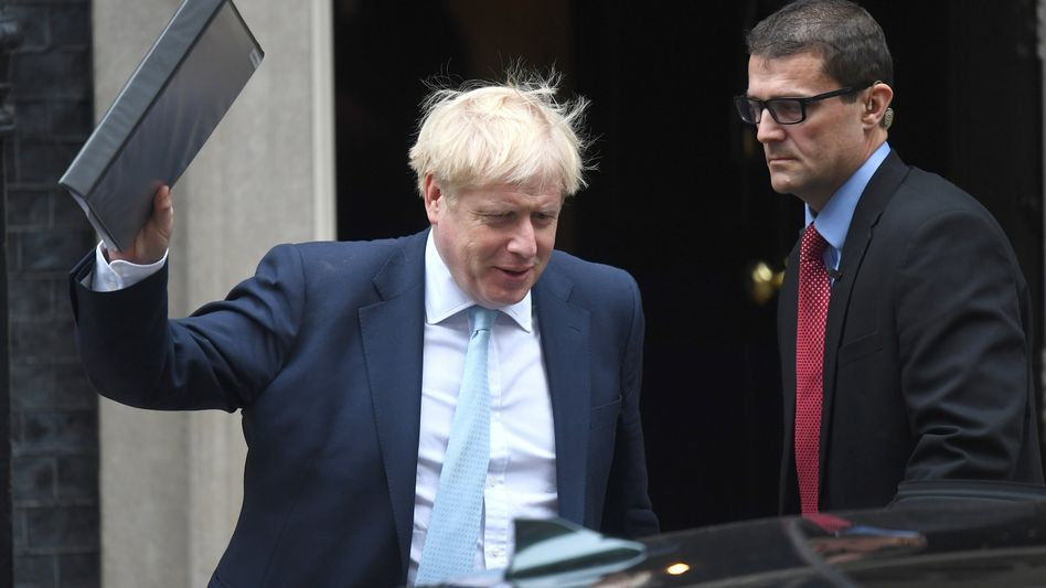 Boris Johnson vor wenigen Tagen vor Downing Street No. 10. Am Samstag telefonierte er mit EU-Regierungschefs