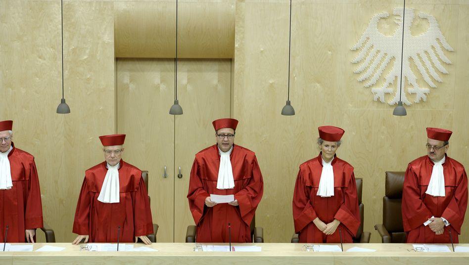 Verhandlung über Bundestagsrechte: Karlsruhe zweifelt an Sondergremium zur Euro-Rettung
