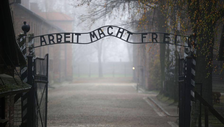 Tor zum Lager Auschwitz: Bundestag erinnert an Befreiung des Lagers