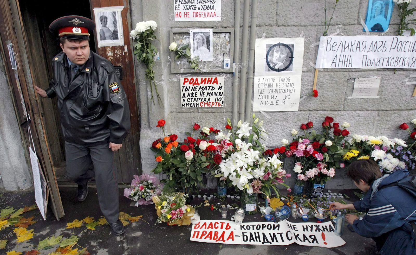 Trauer um ermordete Regierungskritikerin Politkowskaja