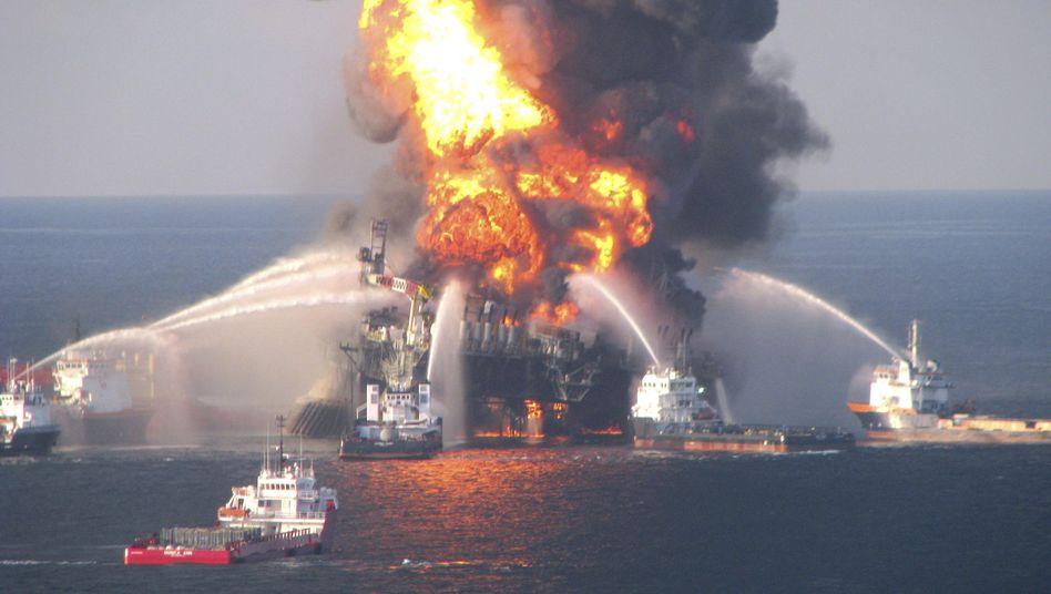 """Brennende """"Deepwater Horizon"""" (2010): Strafe als """"nüchterner Triumph"""""""