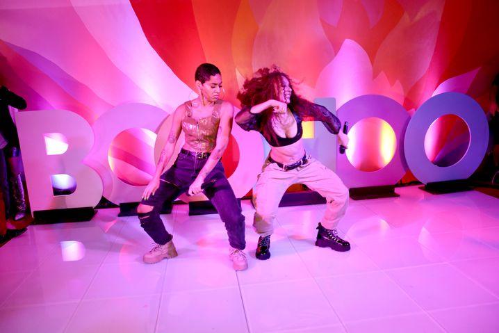 Singende Schwestern Ceraadi bei einer Boohoo-Show in New York: Den Hunger der jungen Generation befriedigen