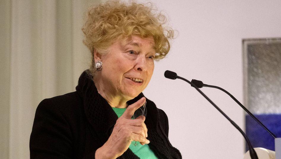"""Gesine Schwan, Chefin der SPD-Grundwertekommission: Sie habe Kühnert immer """"fair und nachdenklich-argumentativ"""" erlebt"""
