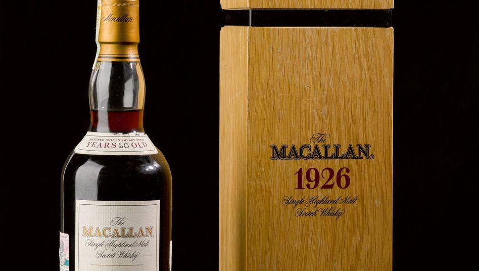 Eine Flasche des 60 Jahre alten Macallan 1926 Single Malt aus Schottland (Archivbild)