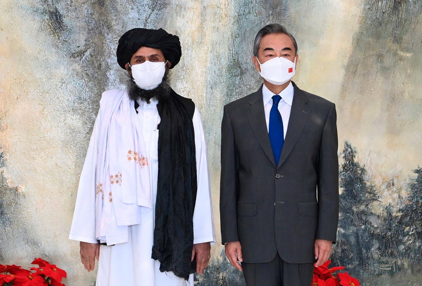 Chinas Außenminister führt Gespräche mit Taliban-Führung