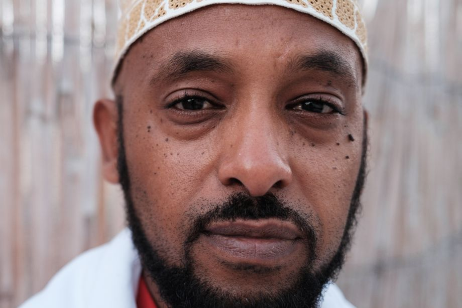 Sultan Ahmed Houmed: Erst die Genitalverstümmelung abschaffen, dann gegen den Klimawandel kämpfen