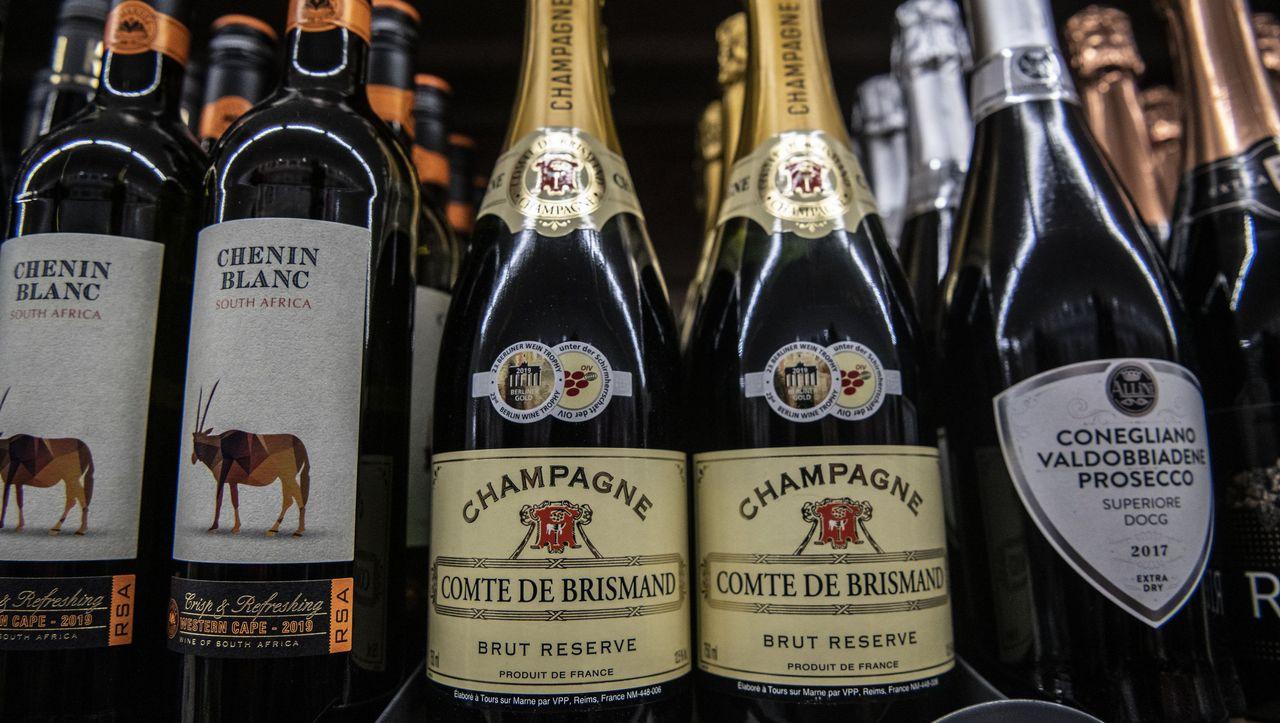 Deutsche kaufen Sekt und Champagner für eine Milliarde Euro - DER SPIEGEL - Wirtschaft