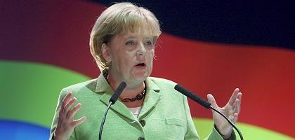 """Bundeskanzlerin Merkel: Glaubt, """"dass die weltweite Krise den Gedanken der sozialen Marktwirtschaft in Deutschland wieder stärken wird"""""""