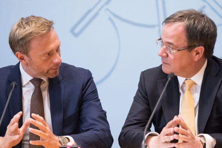 Haben schon mal zusammen regiert: FDP-Chef Lindner und NRW-Ministerpräsident Laschet (im Juni 2017)