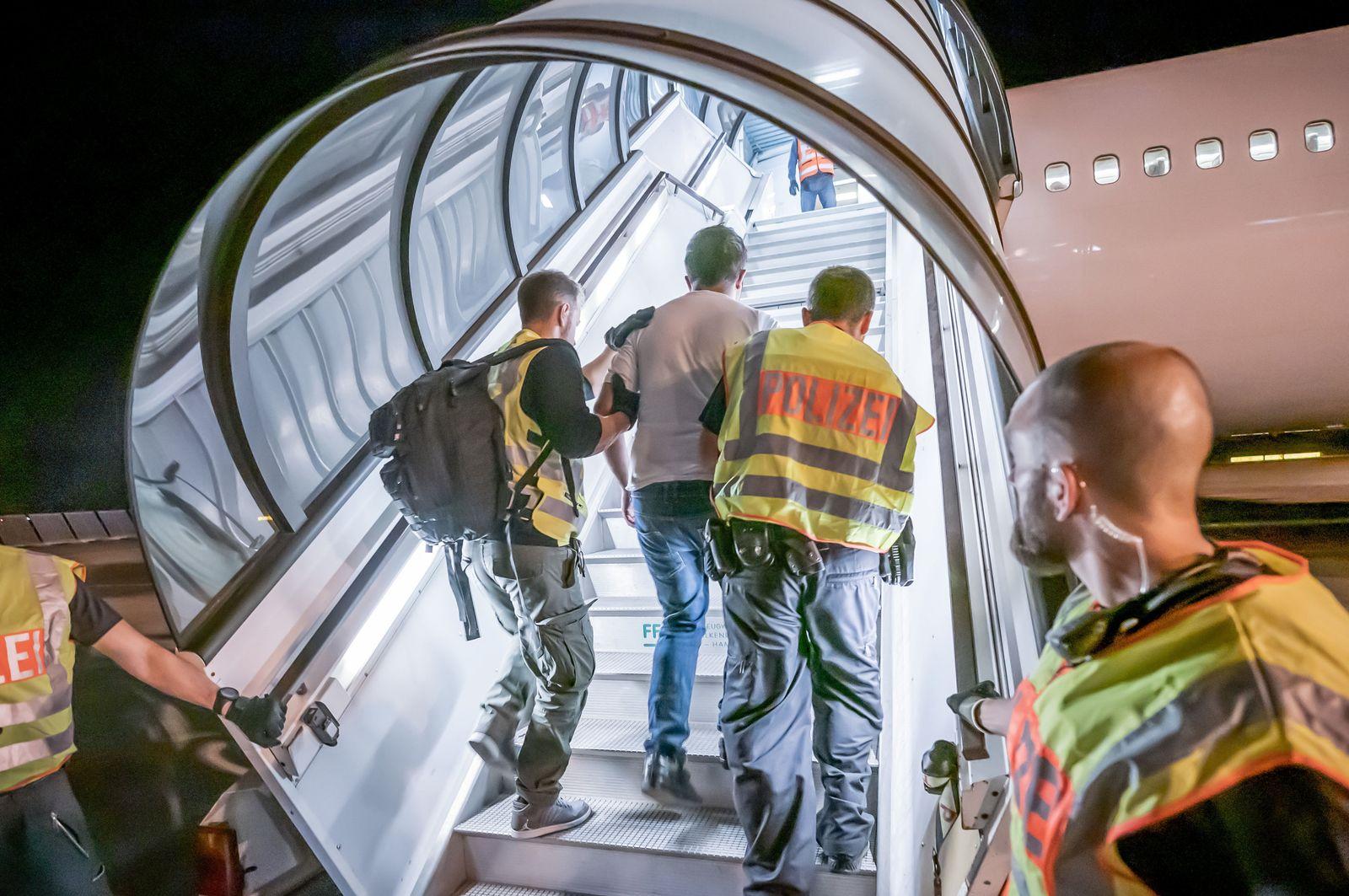 Abschiebeflug nach Afghanistan